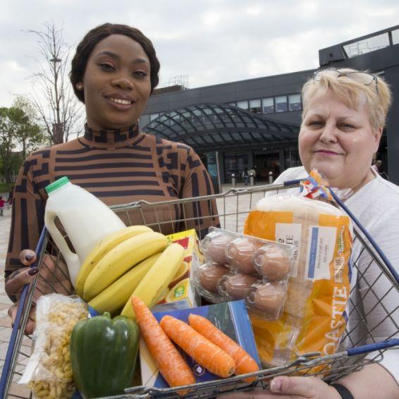 MySavings tenants with shopping basket